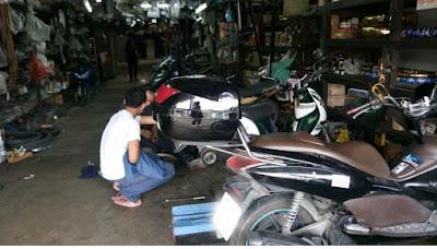 タイのバイク屋さん