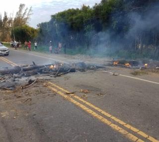 Moradores de Santo Amaro fazem manifestação por radar