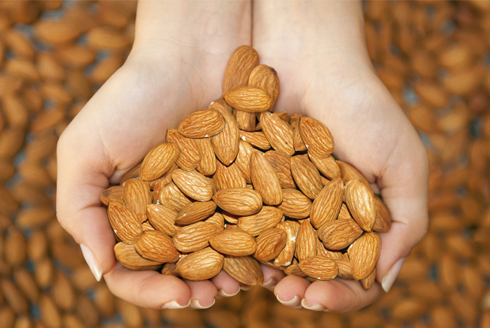 Almonds Prevent Heart Diseases and Heart Attacks | Health and Fitness Bible