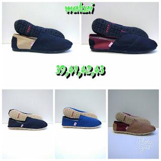 Sepatu Wakai Polos Harga Minimalis