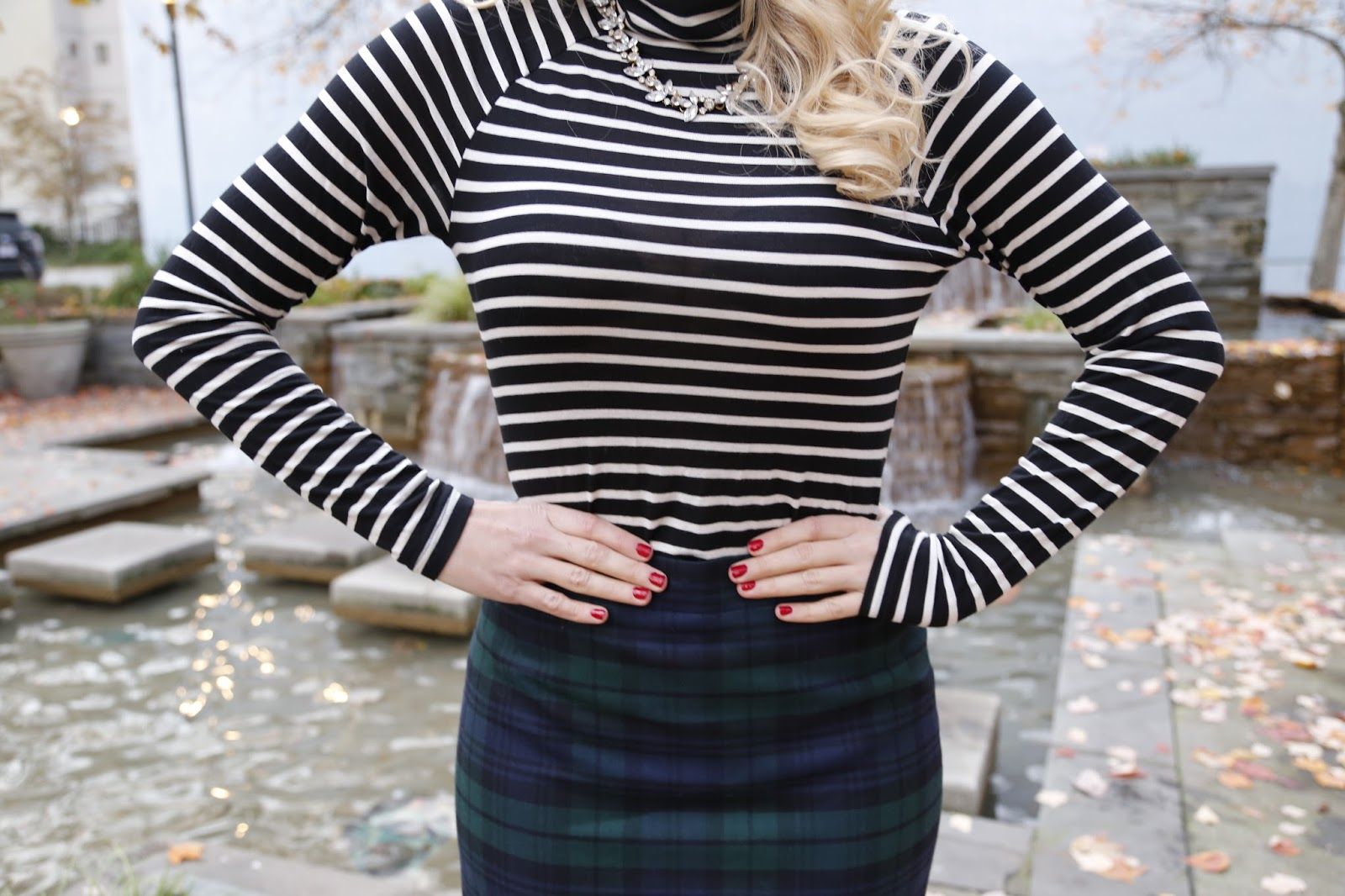 striped-turtleneck-outfit