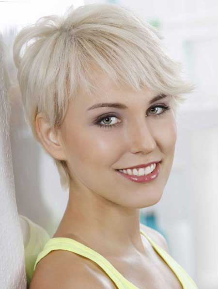 lo ideal es que seas aconsejada por tu estilista de confianza y obtener un corte de pelo favorecedor