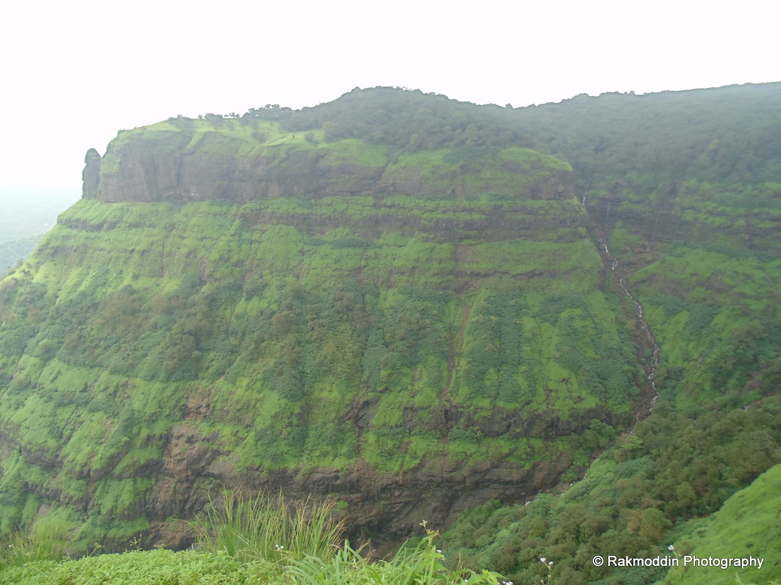 Cecil Point - Picturesque Valley View of Matheran Hill Station