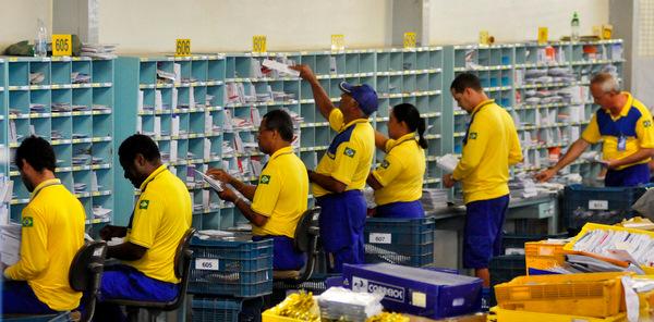 Entenda o sistema brasileiro de Correios e postagens