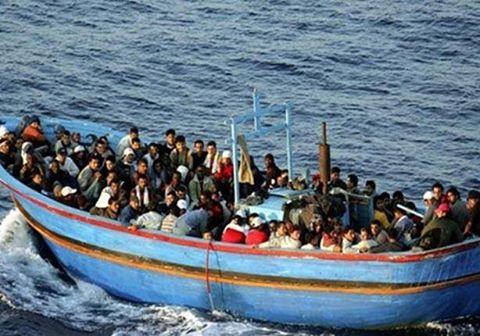 ضبط 13 مصريأً أثناء محاولتهم الهجرة بشكل غير شرعي إلي إيطاليا