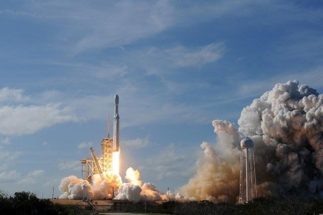 SpaceX (Elon Musk)  Falcon Heavy Rocket