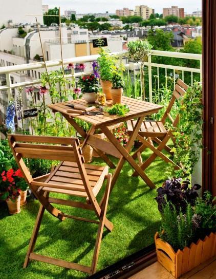Iga Berry Balcony Interior Design Artificial Grass