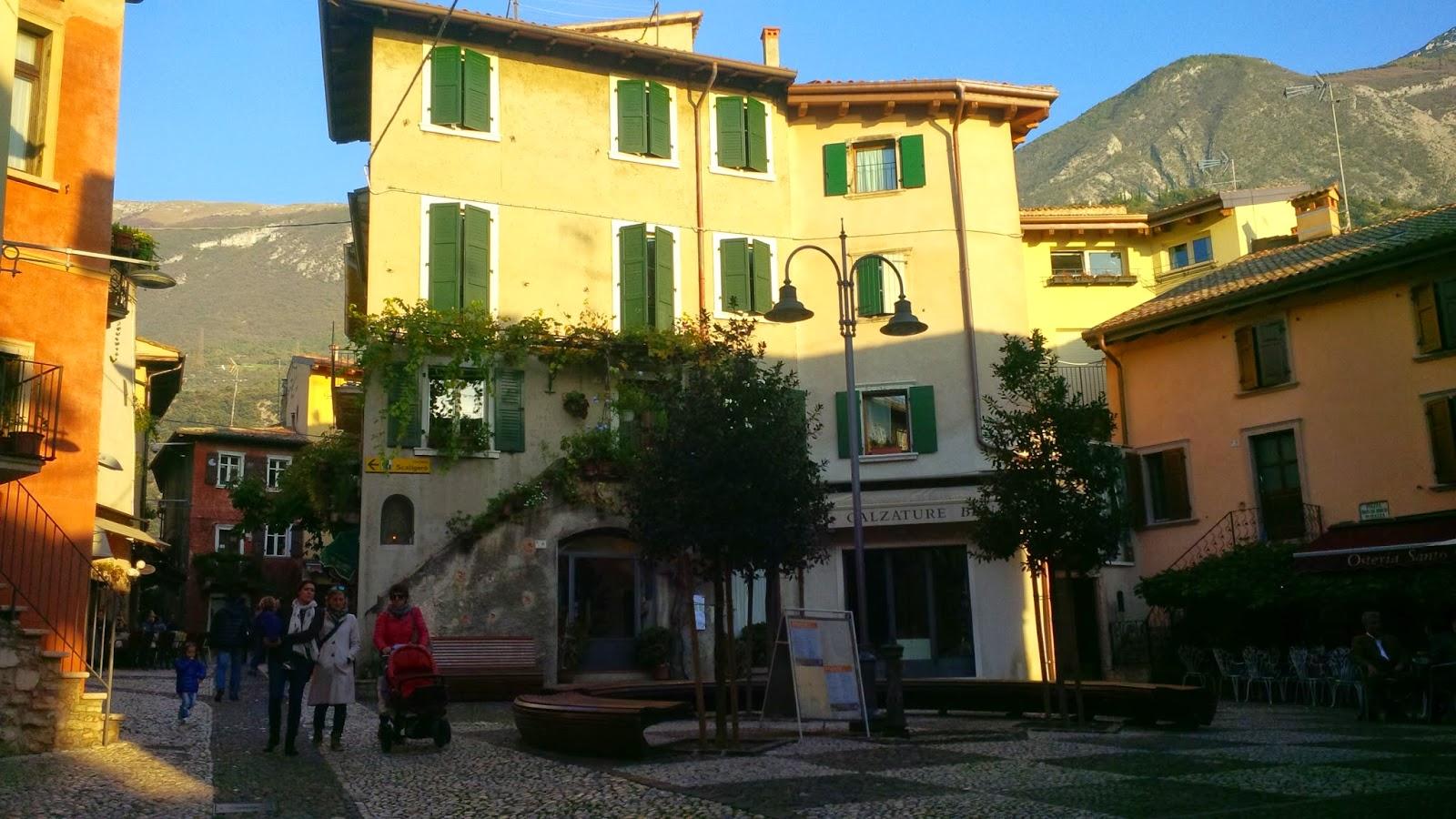 Evening passegiata in Malcesine