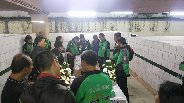 Kisah tragis di balik pengemudi Gojek