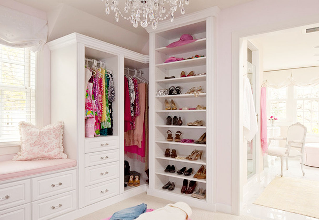 Dream closets for teenage girls for Walk in closet ideas for teenage girls