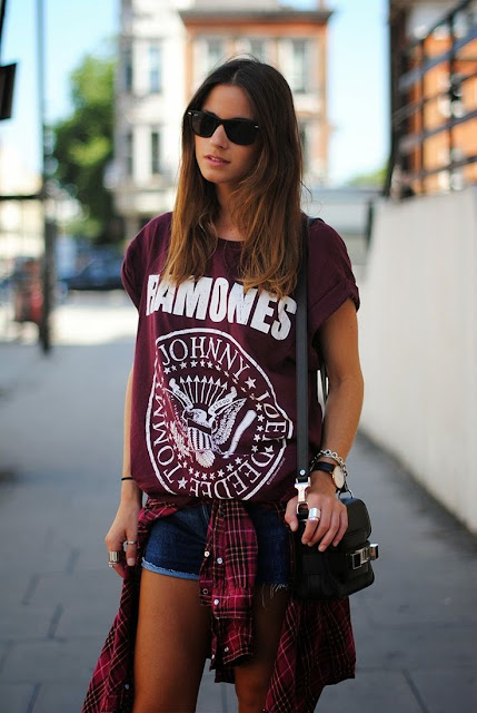come abbinare la band t-shirt abbinamenti band t-shirt band t-shirt how to wear band t-shirt band t-shirt outfits tendenza band t-shirt tendenze primavera-estate 2017 band t-shirt spring summer trend