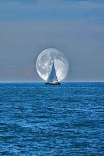 velero-y-luna-llena