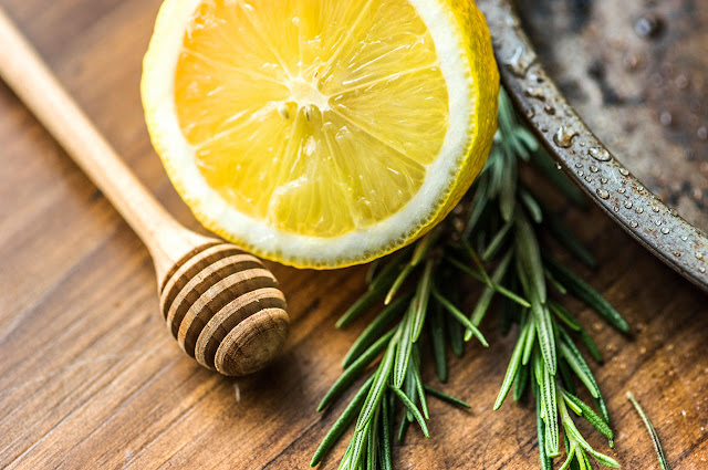 Kulit Lemon - Bahan Alami Memutihkan Gigi