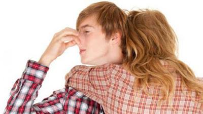 Paling Mudah Hilangkan Bau Ketiak Anda