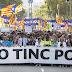 Milhares de pessoas saem às ruas de Barcelona contra o terrorismo
