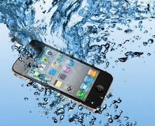 Téléphone Portable Tombé dans l'eau Comment faire pour le réparer