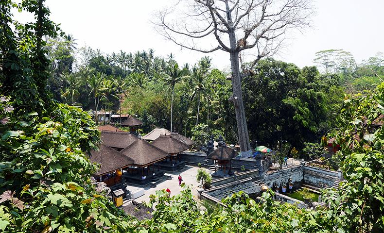 Euriental | fashion & luxury travel | temple in Ubud, Bali