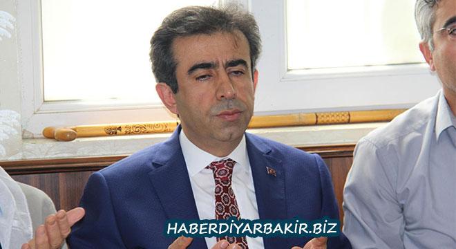 Diyarbakır Valisi Hasan Basri Güzeloğlu'ndan 15 Temmuz şehit ailelerine ziyaret