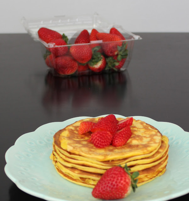 Strawberry Cheesecake Low Carb Pancakes