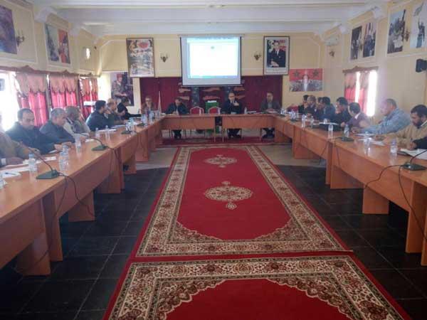 المدير الإقليمي بسيدي إفني يترأس لقاءات تواصلية حول أجرأة المشاريع المندمجة للرؤية الاستراتيجية