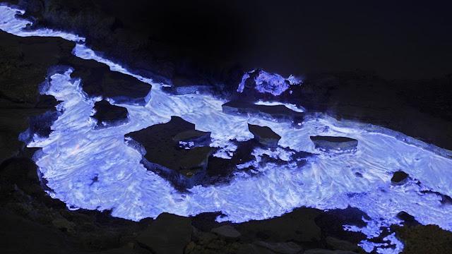Lava_Azul_Kawah_Indonesia_02