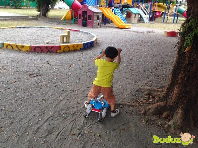 當滑板車玩,一樣有趣!