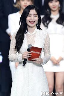Foto cantik Dahyun Gaon Chart Music Awards  2018 di Myanmar