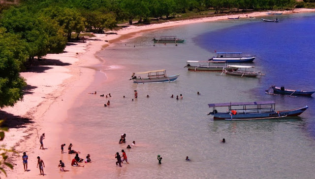 Paket Irit Pink Beach Lombok