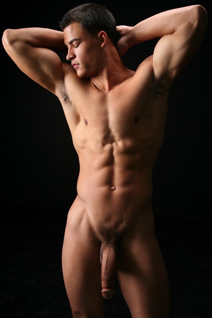 Брюнетка голые парни их члены видео сделать сексуальную пизду