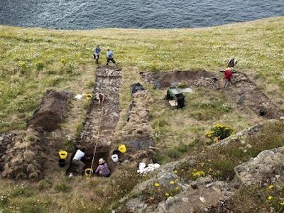 Ανακάλυψη ερειπίων παλατιού στο Κόρνγουολ με «αέρα» θρύλου του βασιλιά Αρθούρου