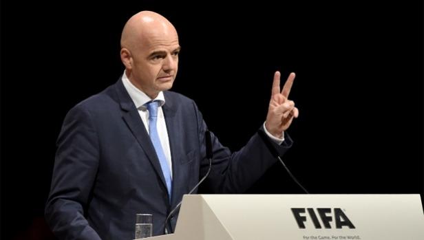 Gianni da Suíça é eleito novo presidente da FIFA