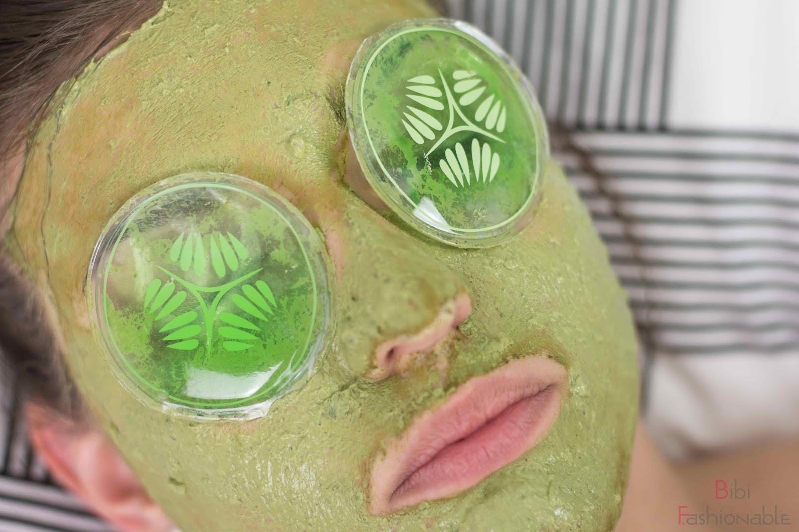 DIY Matcha Face Mask aufgetragen