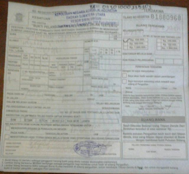 Surat Tilang Warna Biru yang harus diminta dari polisi bila kena razia