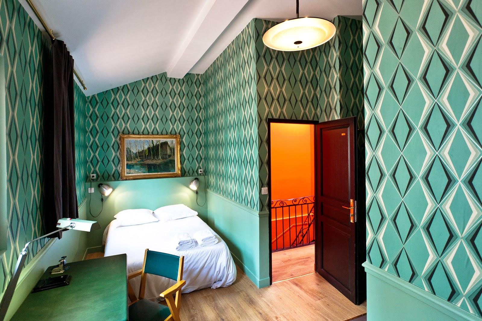 Die-Wohngalerie: Neue Tapete im Schlafzimmer gefällig?