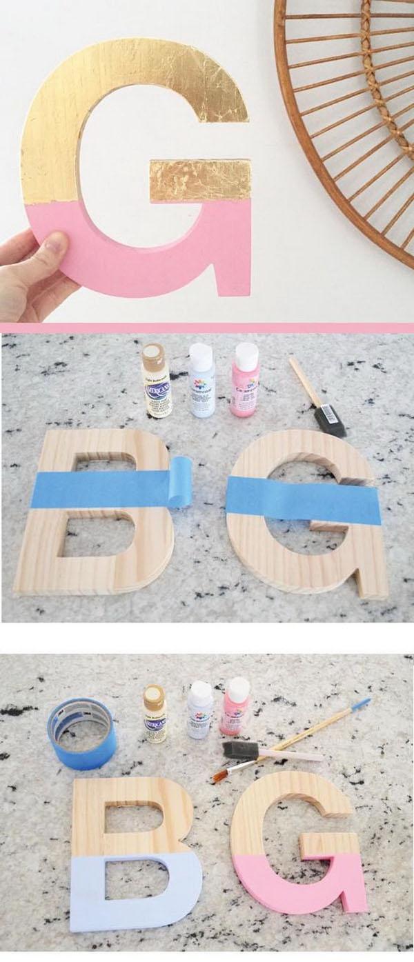 Super fofo e relativamente fácil! Fica ótimo no quarto das crianças! Neste caso é interessante usar o alfabeto feito em madeira natural, caso não encontre, pode levar para algum marceneiro cortar com a tico tico utilizando como guia uma imagem impressa no papel. Depois é só pintar!