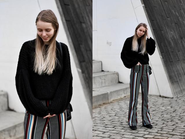 Outfit met gestreepte palazzo pants froufrou's gebreide trui zwarte timberland schoenen nederlandse mode blogger