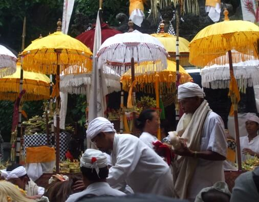 Bali is real obvious alongside the uniqueness in addition to beauty BaliBeaches: Tedung Bali - Influenza A virus subtype H5N1 beautiful of Bali ceremonial Umbrella