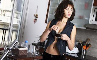 Beber demasiado café reduce el tamaño de los senos