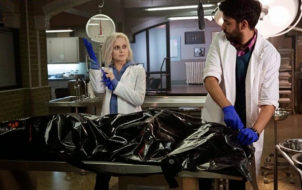 'iZombie' Pilot: Season One (2015) - From the Creator of 'Veronica Mars,' Rob Thomas' Sassy New Series. All text is © Rissi JC / RissiWrites.com