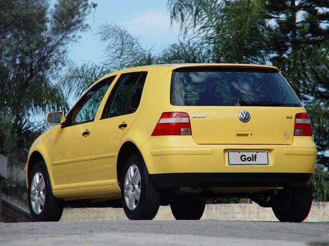 Volkswagen Gol IV - hatch médio, porém menor que o Yaris