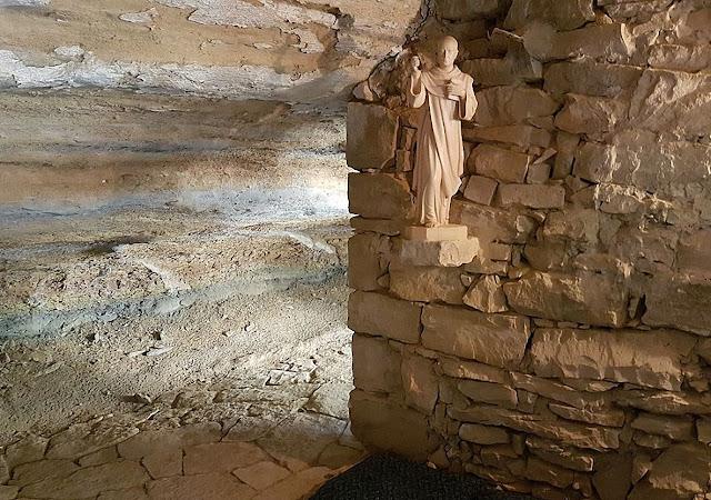 Interior de la ermita de Aitona
