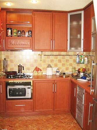 Угловая кухня в 3 х. комнатной квартире