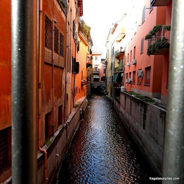 Canais de Bolonha, Itália