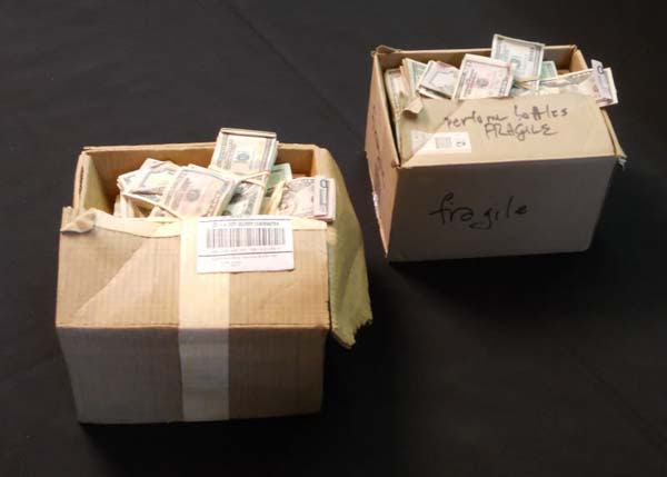 Making boxes of money (20 Pics)