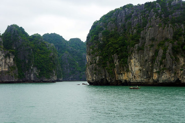 Experience the most attractive tourist on Halong Bay 4