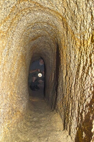 Resultado de imagen de túneles de la edad de piedra