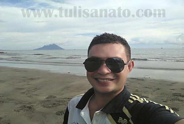 Wisata Pantai Bulo di Desa Kalasey Satu, Pineleng, Sulawesi Utara