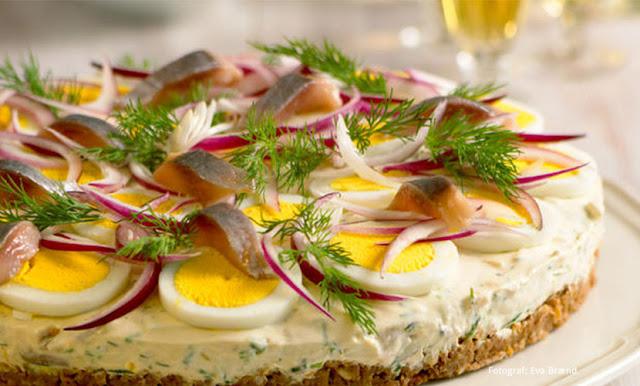 http://www.smakeats.com/smak/silltarta-swedish-herring-cake