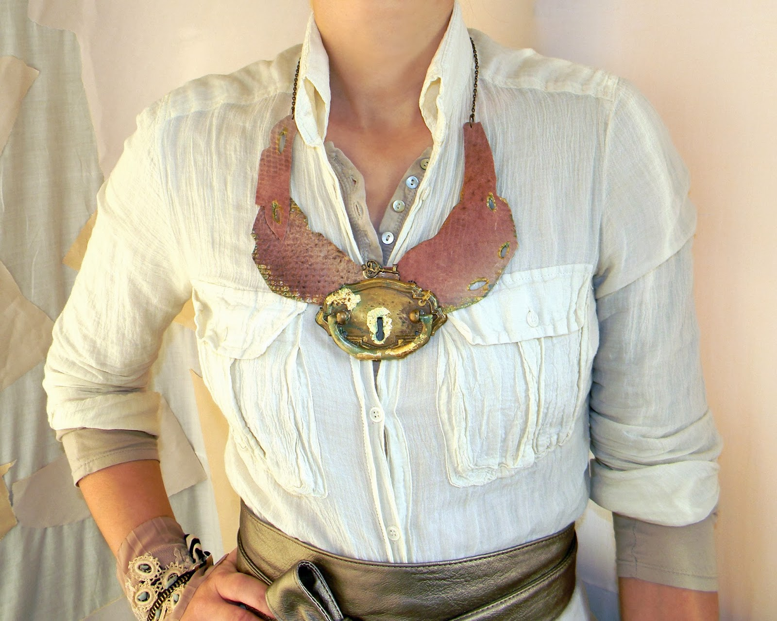 Snake Skin Necklace Leather Collar Vintage Modern Steampunk Twist with Door Knocker Decor