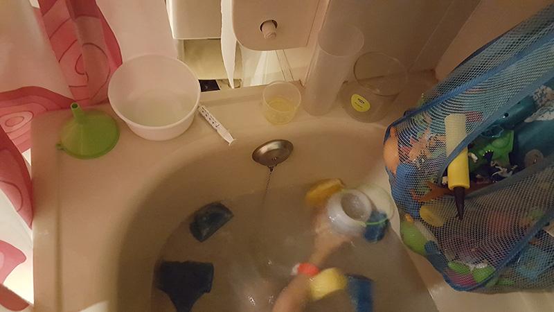Juegos De Baño Quimico:Blog de una madre desesperada: Experimentos químicos a la hora del